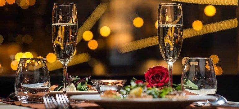 Dinner cruise budapest - Valentinstag Abendessen Schifffahrt