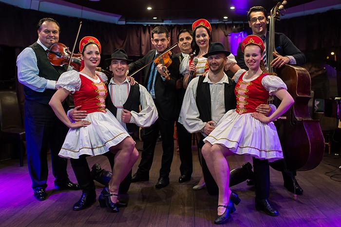 hungarian culture operetta folklore show