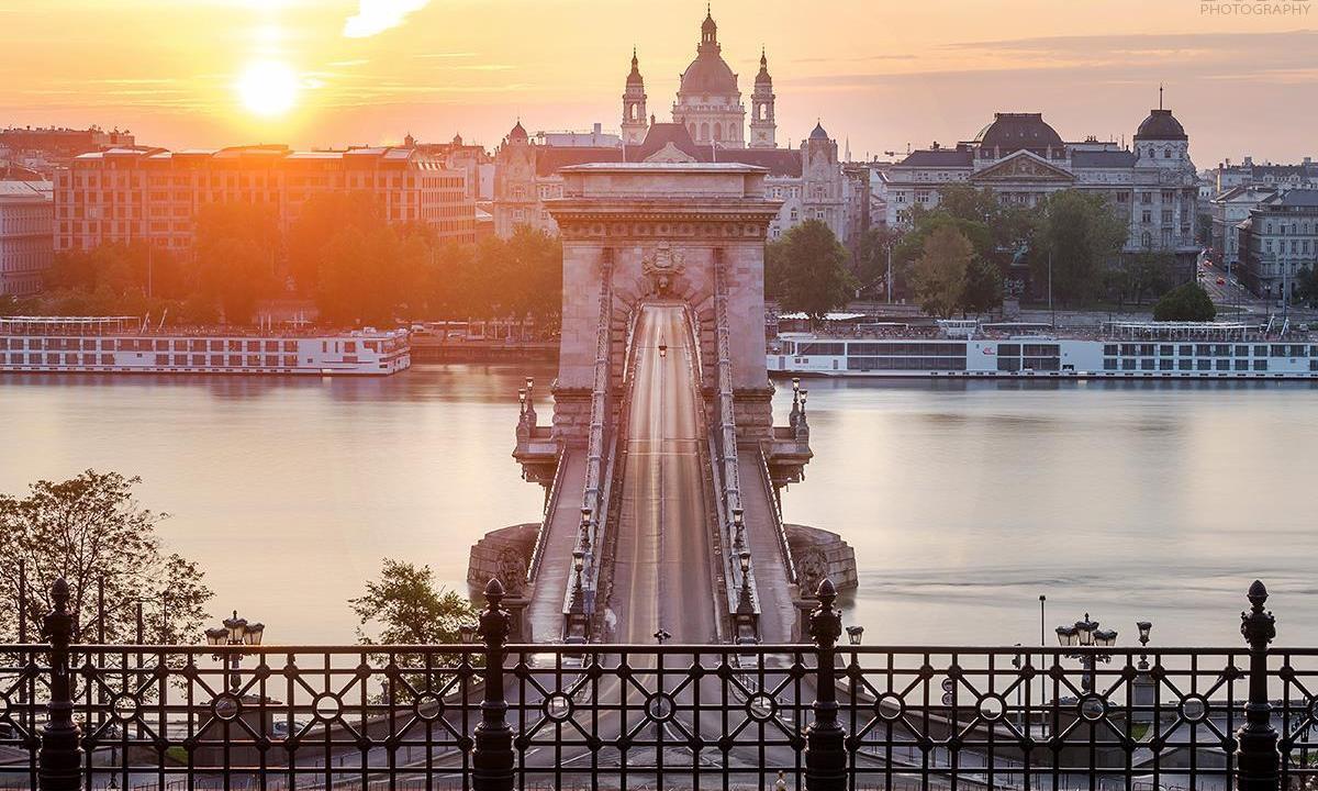 Berühmte Brücken in Budapest Alcím: Brücken in Budapest B