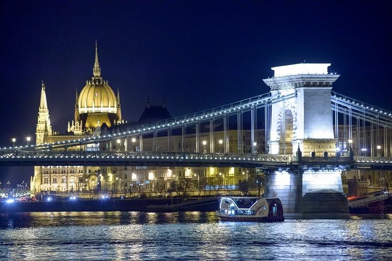 Budapesti romantikus hajózás